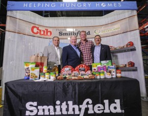 Minnesota football star Kyle Rudolph joined representatives from CUB, Smithfield, and Second Harvest Heartland food bank for the 17th stop of Smithfield's Helping Hungry Homes tour, a nationwide hunger-relief initiative.